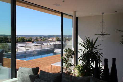 Terrassenhäuser Oftringen Terrasse mit Pool